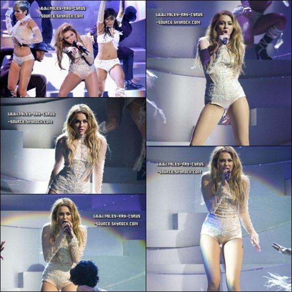 07 / 11 / 2010 : Miley était présente aux MTV EMA Awards 2010, à Madrid.
