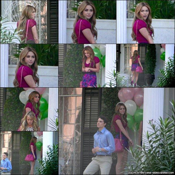 21 / 12 / 2010 : Miley sur le tournage de So Undercover