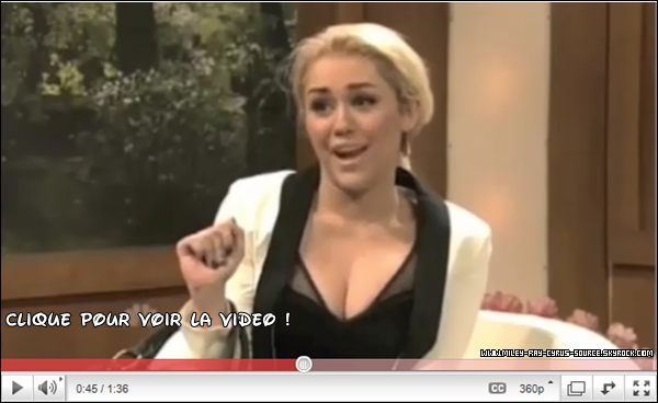 "05/03/2011 : Miley présentant l'émission ""Saturday Night Live"""