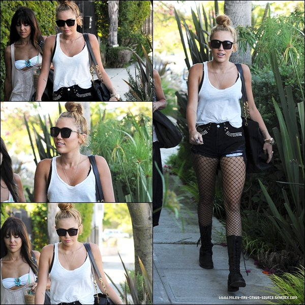29.06.2012 : Miley sortant de son habituel cours de pilates.