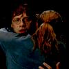 """""""- Ron a été extraordinaire, déclara Tonks avec chaleur. [...] - C'est vrai? dit hermione. Elle regarda Ron dans les yeux, les bras autour de son cou. """""""