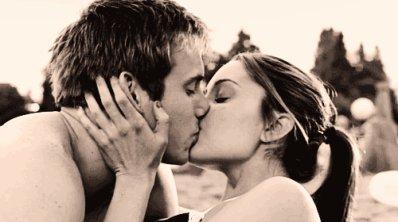 Je t'aime comme personne ne t'a jamais aimé. indescriptiblement indescriptible.