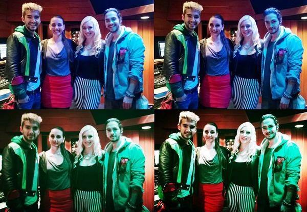 """» 05.11.2013 - Les jumeaux avec les gagnantes du concours """"8 Years Monsoon"""" à Los Angeles (USA)"""