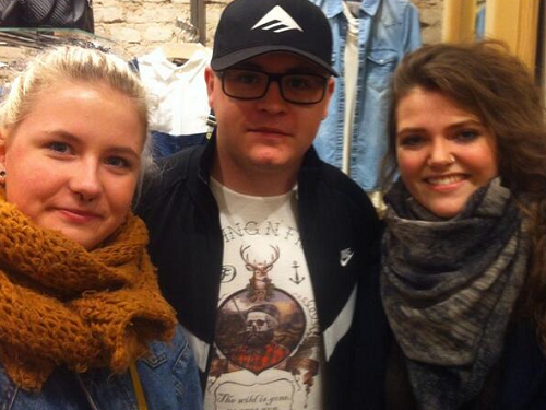 » 16.02.2014 - Gustav avec des fans à Berlin (Allemagne)