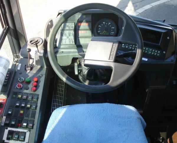 HEULIEZ  GX 317 GNC (moteur GNC) type STANDARD  numérotés de 401 à 438 : 38 bus identique en circulation.