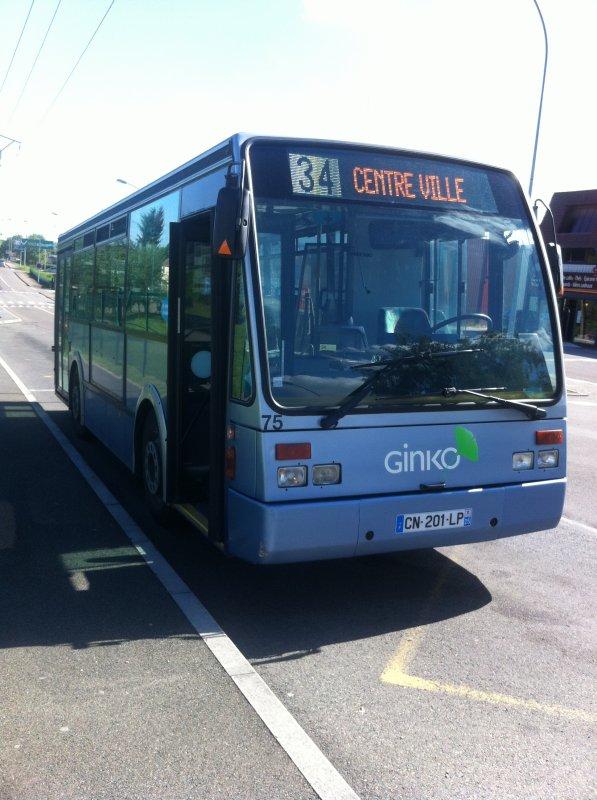 La nouvelle girouette LED sur un bus midi le 75.