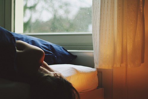 « La solitude est une tempête de silence qui arrache toutes nos branches mortes. »