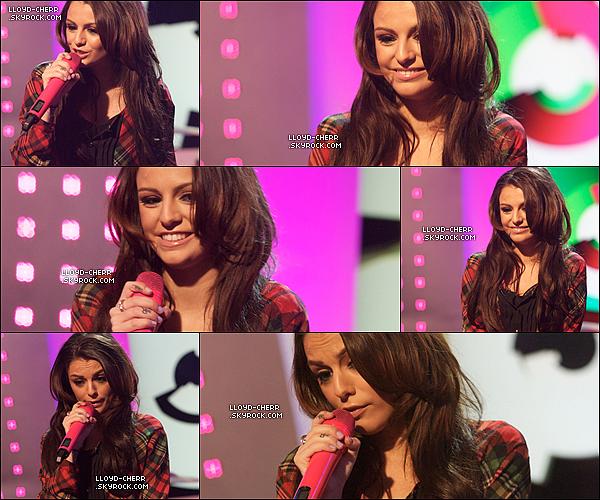""". 20/02/12 : Ce matin, Cher était sur le plateau de """"This Morning"""". Elle a parlait de son nouveau single """"Want U Back"""" et l'as aussi performait. Elle est juste magnifique! Pour moi c'est un gros TOP. + Vidéo Interview // Vidéo performance. ."""