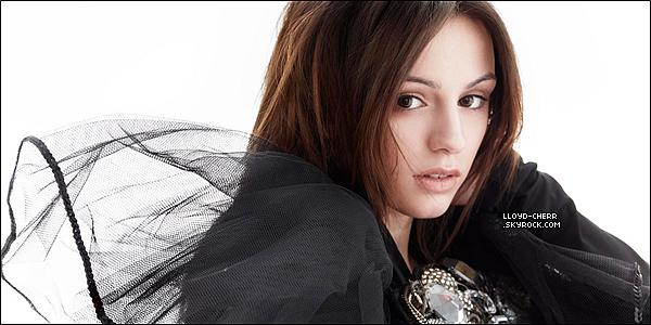 """. 23/02/12 : Un nouveau photoshoot de Miss Cher Lloyd pour """"Select"""" de Alison Connan.  Cher est juste sublime.. Elle est presque méconnaissable. Vos avis?. ."""