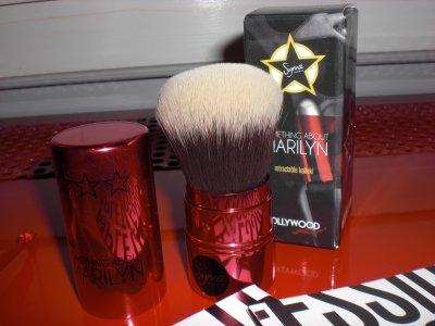 ... Test : Le Kabuki Retractable Marilyn ...
