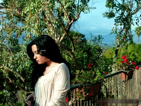 ..Voici la suite d'un photoshoot de Demi sortit il y a très peu de temps, crée part M.  Lavine. Quand dit- vous ?.