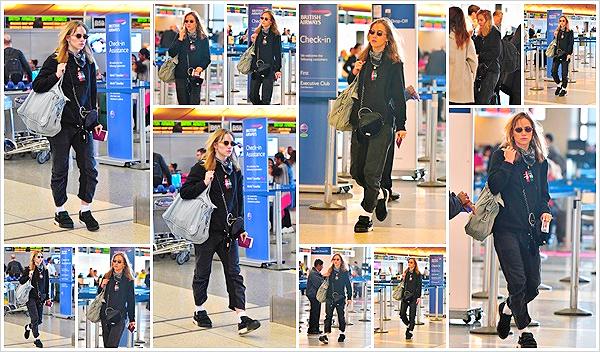 """""""2018""""' • 02 décembre ─  La mannequin a été aperçue  arrivant à l'aéroport de Los Angeles «LAX»  pour prendre un vol.  Suki se cache des paparazzis car les candids se font rare en ce moment. En tout cas niveau tenue, et bien c'est du Suki tout craché !  Vos avis ?"""