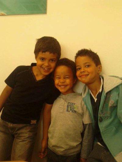 Mes 3 petits derniers ils sont trop bo je vs aiment mes amours !!!!!!