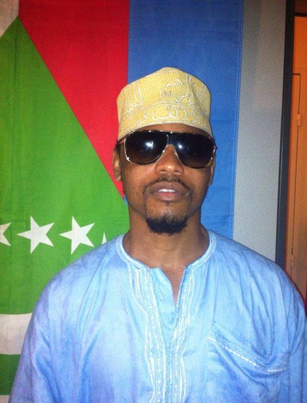 Les Comores le pays des hommes politiques corrompus.
