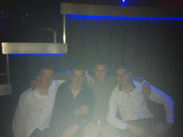 B-Club : Antoine , Luka , Malory et Moi