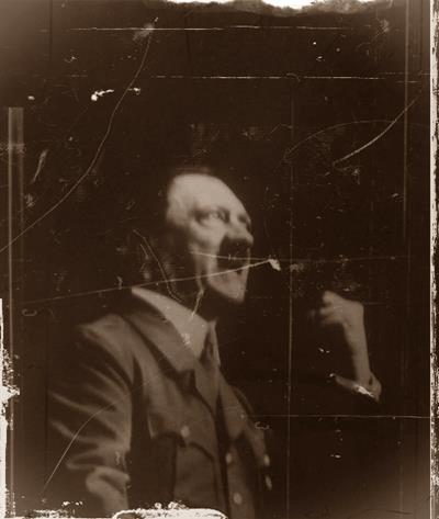 Les trois visages de Hitler d'après François Poncet  Amorphe, exalté puis hébété....