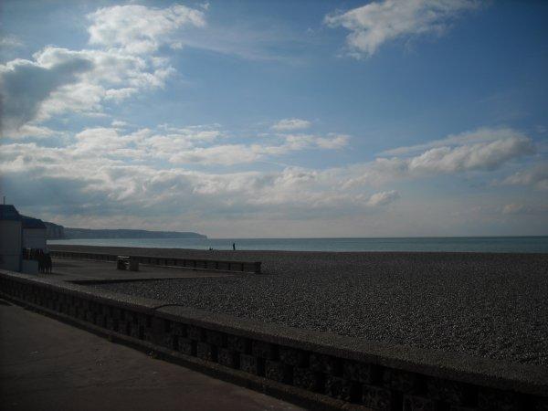 Au retour nous avons fait une petite halte à Dieppe! ciel plus bleu