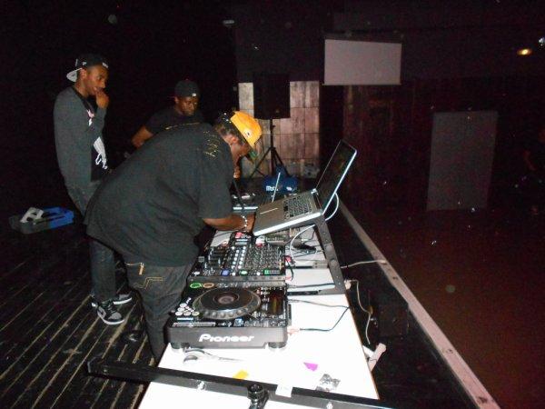 DeeJay' Bakii feat Deejay Fatness Bmc & Johna's Ali
