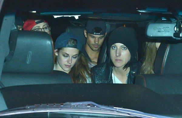Kristen et Taylor ensemble en boite .