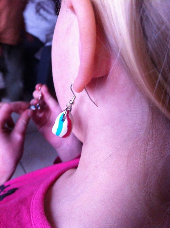 Après midi atelier fimo création de bijoux avec mes filles