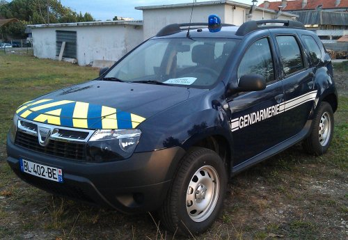 s rie v hicules de service dacia duster gendarmerie44. Black Bedroom Furniture Sets. Home Design Ideas