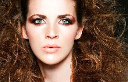 Tout savoir sur le maquillage pour les brunes ( http://www.schwarzkopf.fr/)