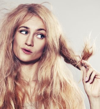 8 astuces pour détourner son shampoing sec