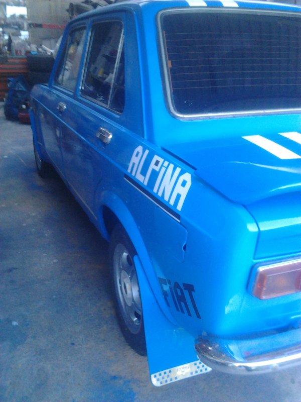 voilà , apres hésitation ai changé d'avis et j'ai préféré un bleu de france , elle est plus belle.....