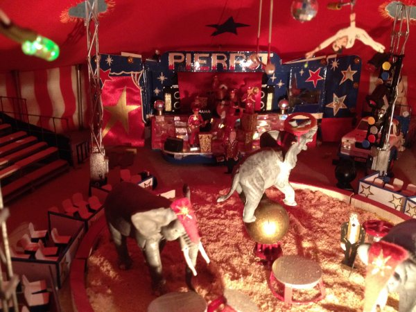 Suite Reportage maquette numéro 1: Cirque Pierrot circus