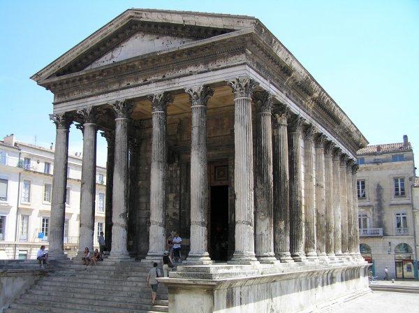 L'eau à la bouche - Des racines d'amour - Nîmes - La Maison Carrée -