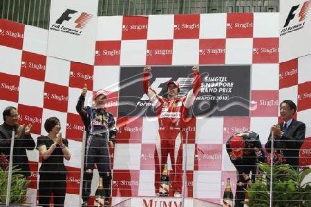 GP de Singapour: Course: Alonso maitre de la nuit