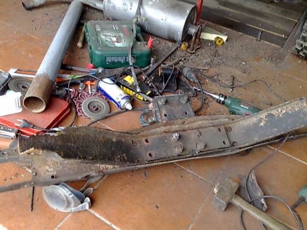 démontage traverse arrière et platines de suspension BJ42