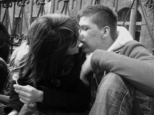 """""""Pour moi, être aimée n'est rien. C'est être préférée que je désire."""""""