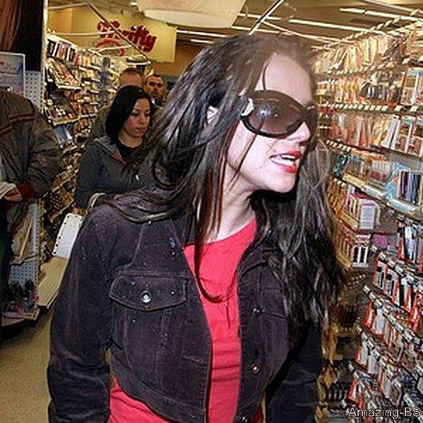 Britney de sortie dans un magasin, 2008