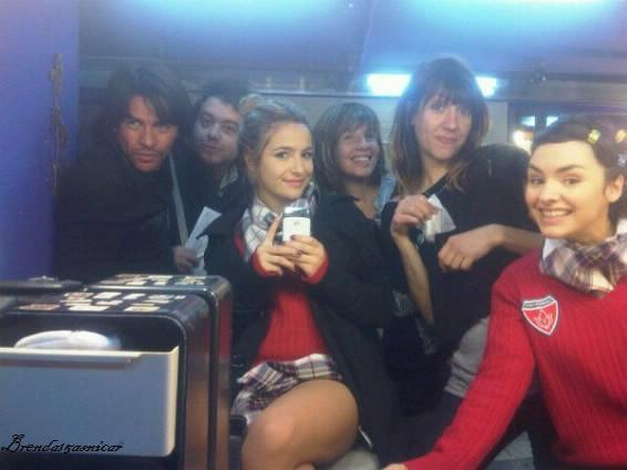 ♥♥~Nouvelle photo personelle de Brenda postée sur son twitter, sur le set de Suena Conmigo!~♥♥