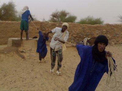 A la recherche d'eau au nord du Mali