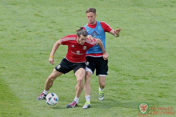 Gareth Bale et l'équipe du Pays de Galles à l'entraînement à Dinard (09.06.16)