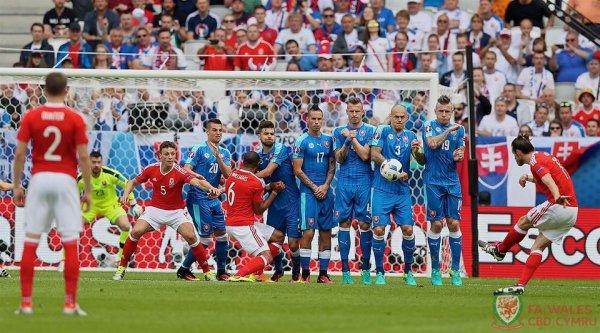 Photos de Gareth Bale pendant le match Pays de Galles - Slovaquie (11.06.16)