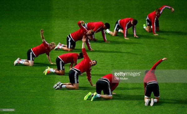 Photos de Gareth Bale à l'entraînement au stade Félix Bollaert-Delelis à Lens (15.06.16)