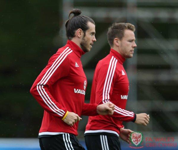 Photos de Gareth Bale à l'entraînement à Dinard (19.06.16)