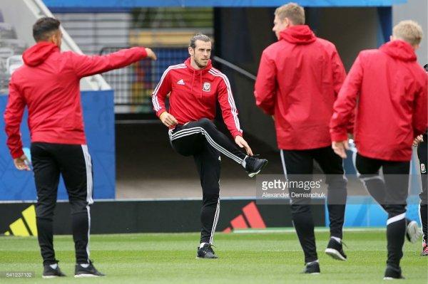 Photos de Gareth Bale à l'entraînement au stade à Toulouse (19.06.16)