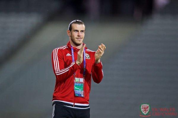 Photos de Gareth Bale et l'équipe du Pays de Galles au stade de Lille (30.06.16)