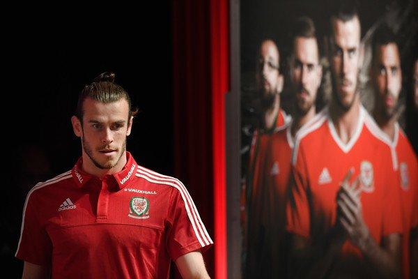 Photos de Gareth Bale en Conférence de presse à Dinard (04.07.16)