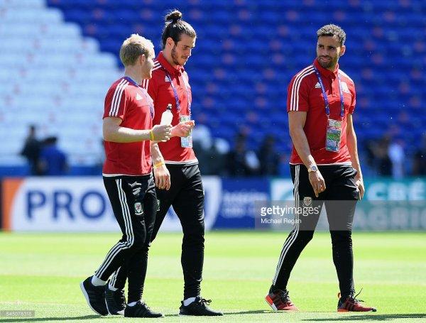 Photos de Gareth Bale et l'équipe du Pays de Galles au stade à Lyon (05.07.16)
