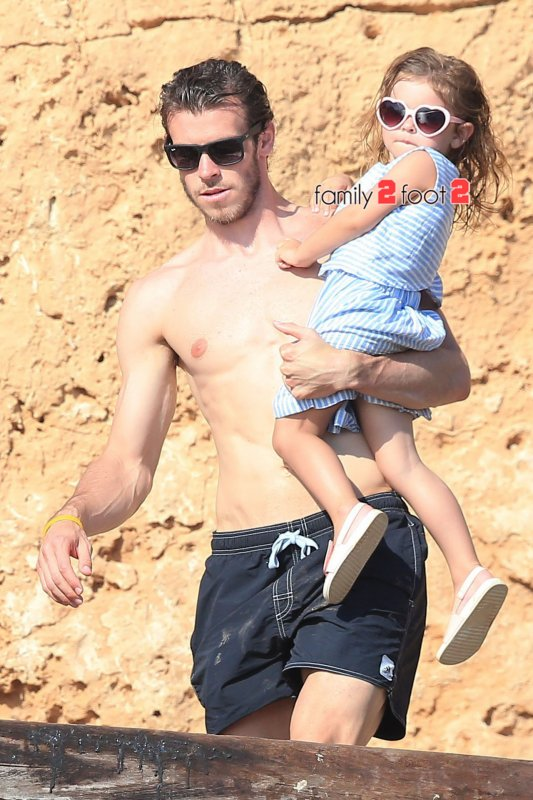 Gareth Bale et sa fille Alba en vacances