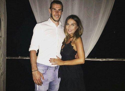 Gareth Bale et sa compagne Emma se sont fiancés (16.07.16)