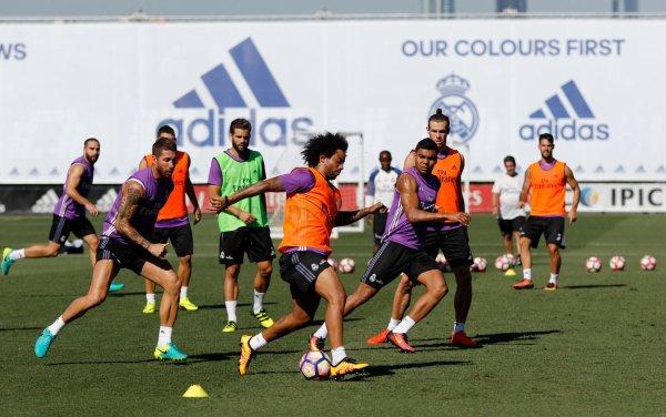 Photos de Gareth Bale à l'entraînement avec le Real Madrid (24.08.16)