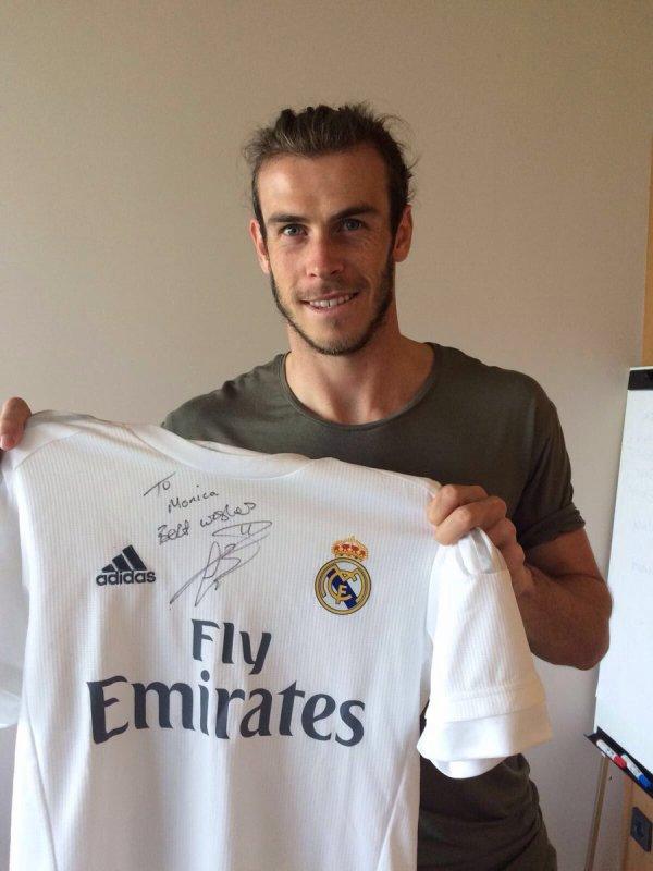 Gareth Bale pour un fan