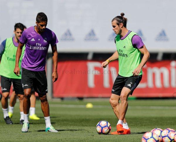 Photos de Gareth Bale à l'entraînement avec le Real Madrid (19.09.16)