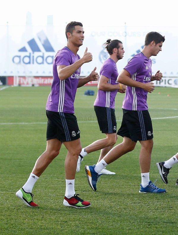 Photos de Gareth Bale à l'entraînement avec le Real Madrid (25.09.16)